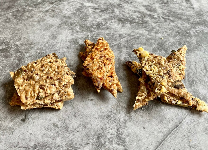 Picture Crunchy linseed crackers