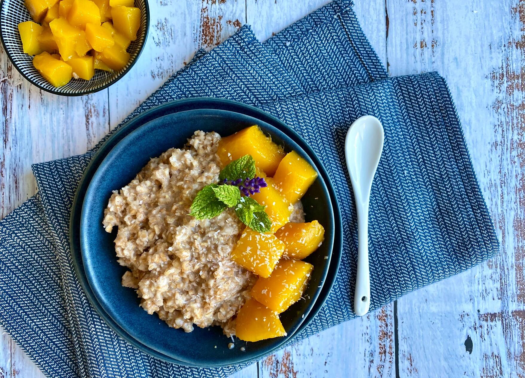 Abbildung Dinkelflocken-Kokos-Mango-Porridge