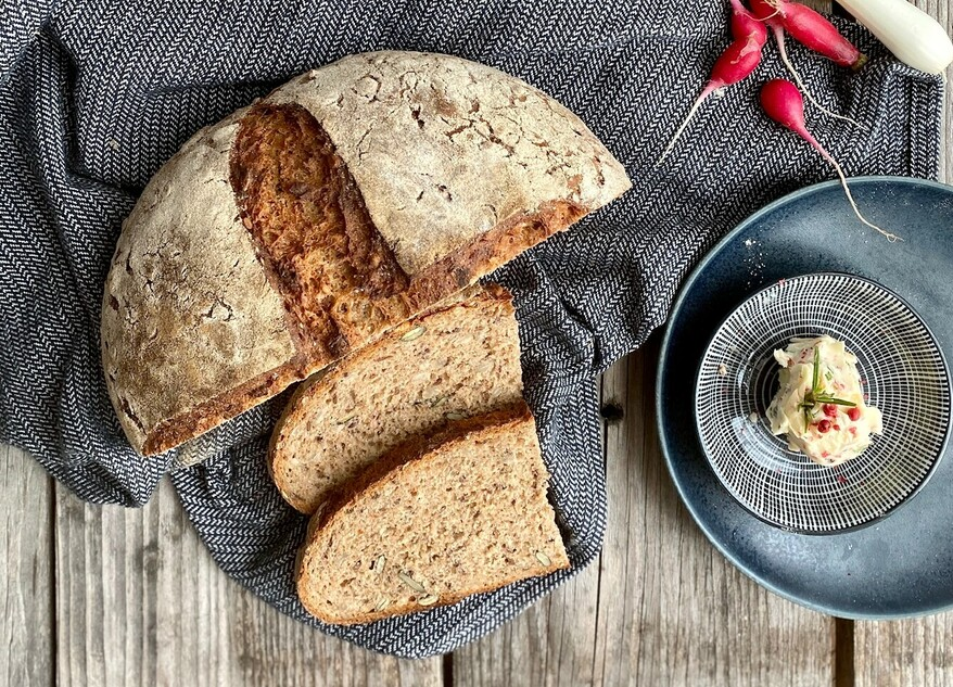 Picture Wholemeal buttermilk bread
